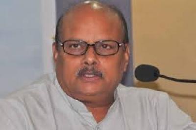 dont forgive sakshi media says yanamala