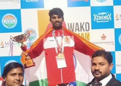 Vijay Devarakonda helps budding kick boxer to win gold medal