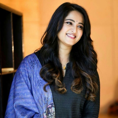 Anushka Sell her Flat which is a high value now