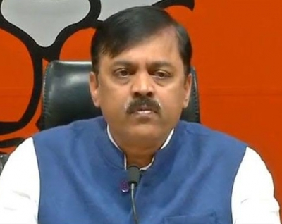 BJP MP GVL Narasimha Rao comments on AP capital issue