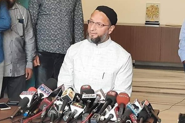 Owaisi criticizes BJP leaders ahead of GHMC elections