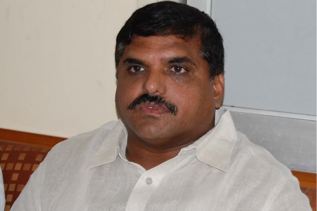 AP Minister Botsa Sathyanarayana visits Vijayanagaram Maharaja College