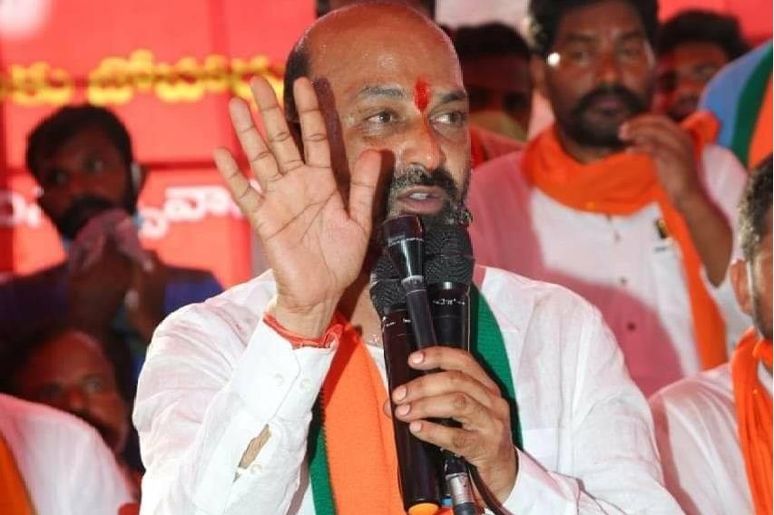 Bandi Sanjay and other Telangana BJP leaders to meet Pawan Kalyan