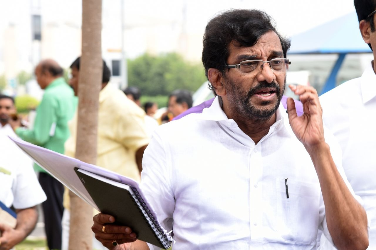 Somireddy reacts over farmers protests in Delhi