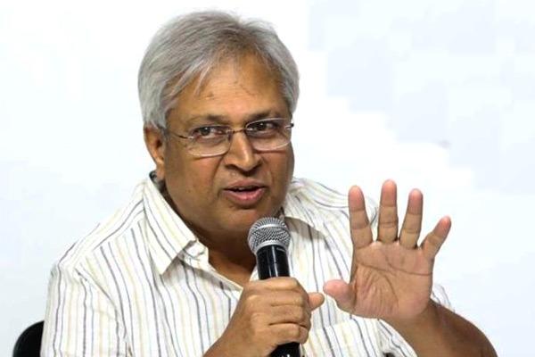 Undavalli Arun Kumar criticises Jagan on Polavaram Project matter