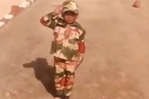 ITBP Fidaa with this Child Selute