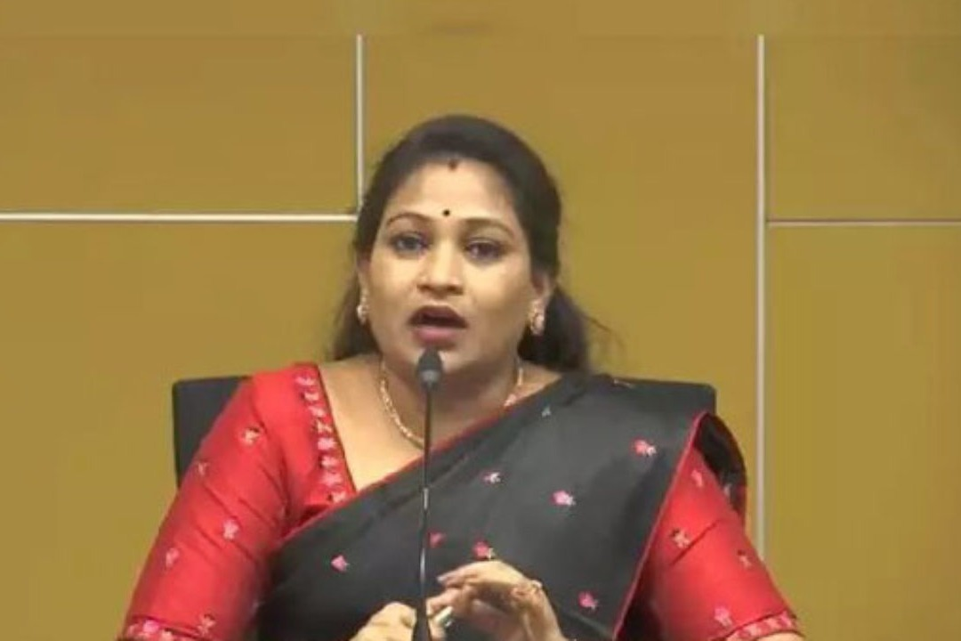 People are unable to celebrate festivals in YSRCP rule says Anitha