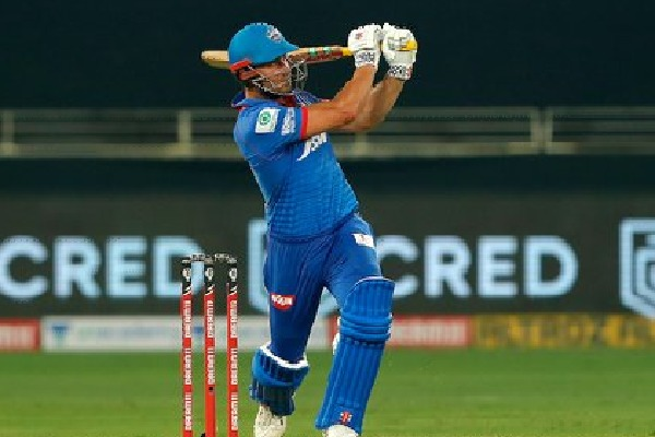 Stoinis flamboyant innings leads Delhi Capitals to a respectable score