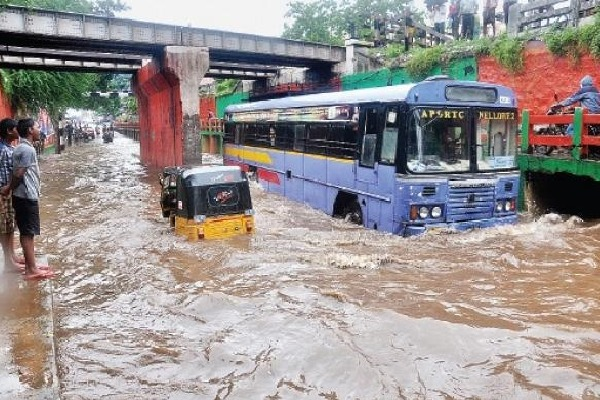 Nellore to Chennai Transport Effected due to Niver