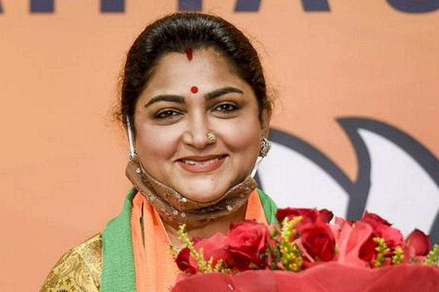 Actress Kushboo Sensational Comments on Congress Leaders