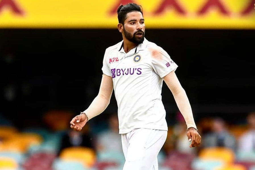 Team India young fast bowler Mohammed Siraj pays tributes to his late father