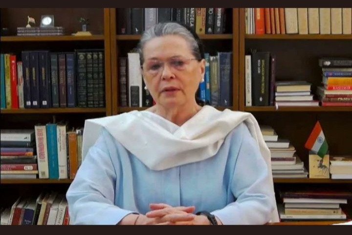 Congress chief Sonia Gandhi goes to abroad for health checkup