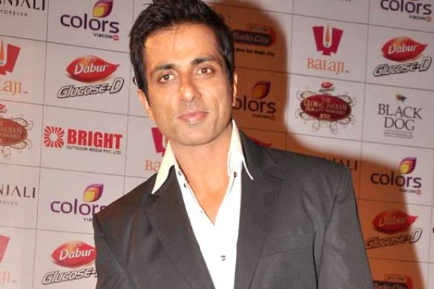 Sonu Sood Intresting Reply to a Lady goes Viral