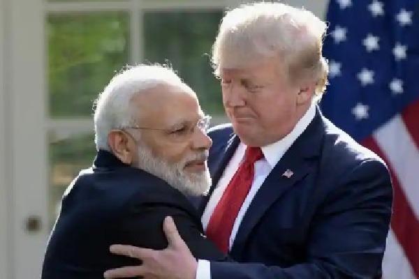 Trump Says America Loves India