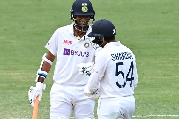 India score in fourth test 305
