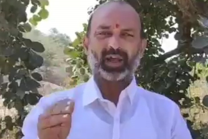 Bandi Sanjay slams TRS government on water leakages at project canals
