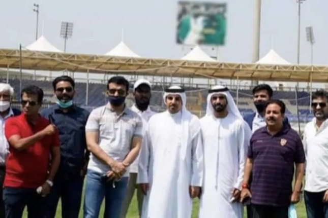 Sourav Ganguly Posted a Blur Image of Pak Cricketer in Sharja Stadium