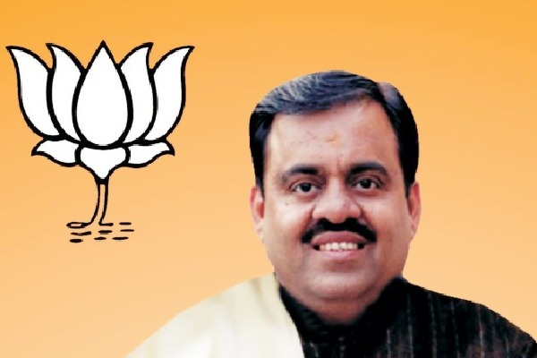 BJP TS incharge Tarun Chugh coming to Hyderabad