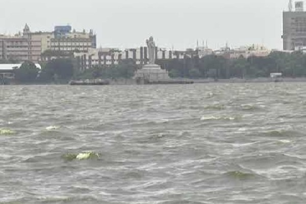 Hussain Sagar is at Dangerous Level