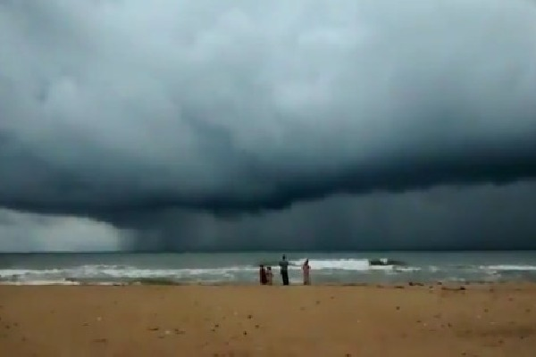 Red alert issued in the wake of Nivar cyclone approaches