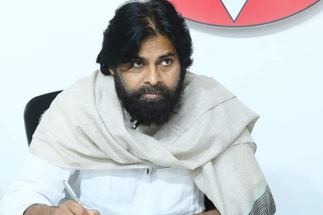 Pawan Kalyan wants government to ensure financial help to private sector teachers