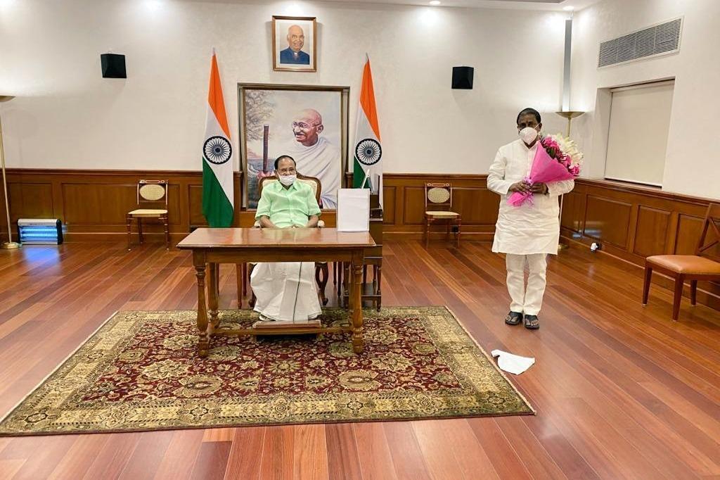 Somu Veerraju meets Venkaiah Naidu