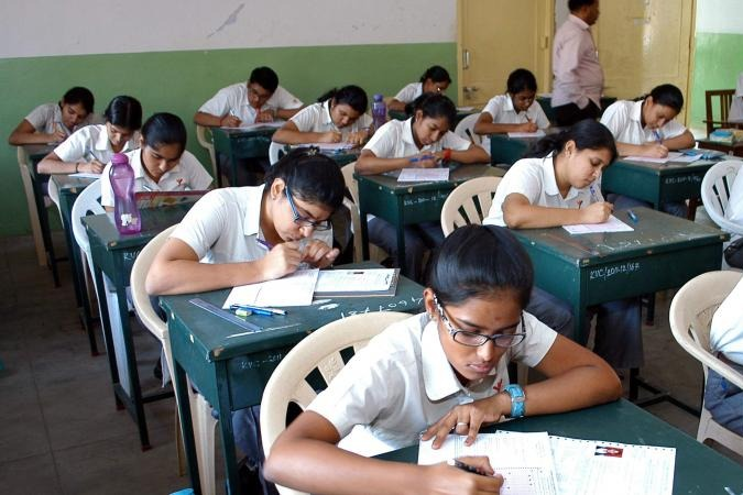 AP govt to reduce 30 percent syllabus for students