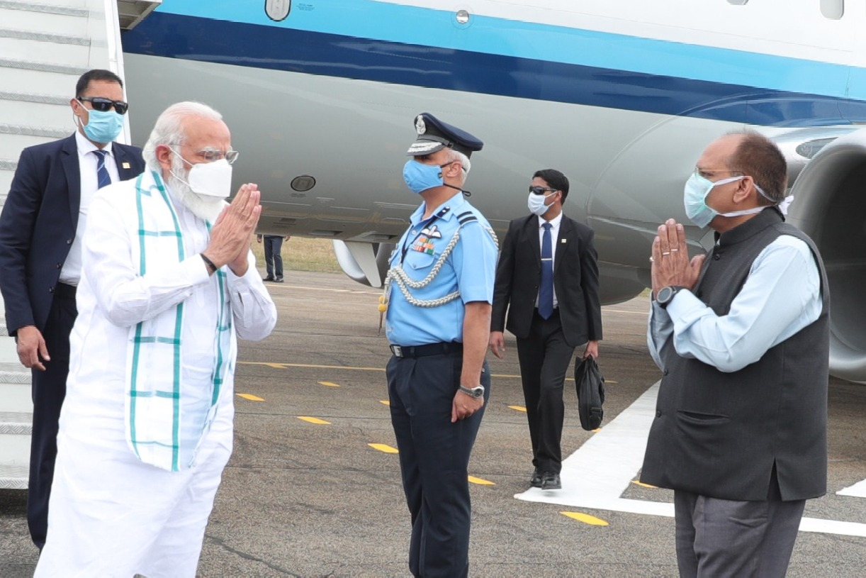 PM Modi arrives Hyderabad to visit Bharat Biotech facility