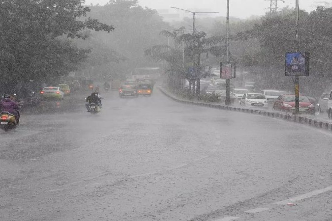 heavy rains pouring on Hyderabad