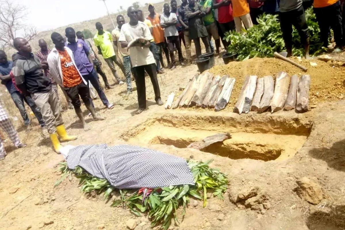 Gunmen kidnap dozens from school in central Nigeria