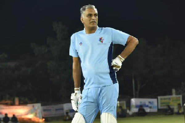 Minister Harish Rao plays cricket along with former Indian skipper Mohammed Azharuddin