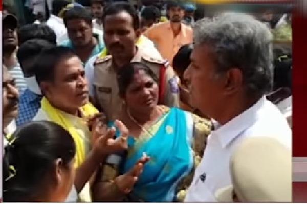 Verbal Clash between Kesineni Nani and Buddha Venkanna aides