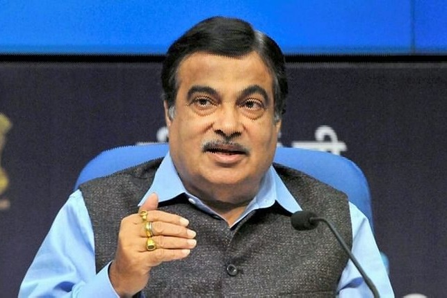 Will give electric vehicles to govt officers says Nitin Gadkari