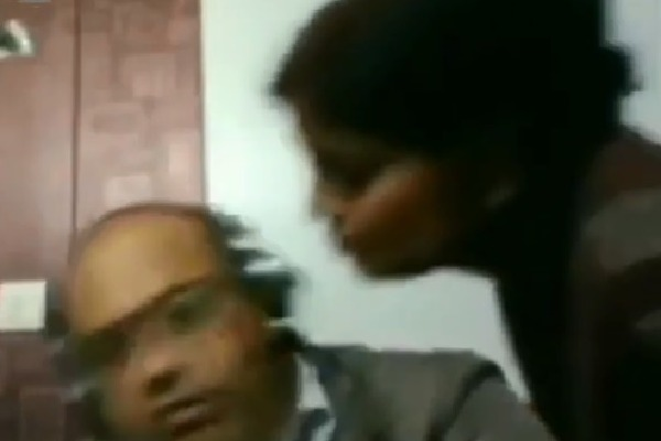 Husband Refuses Wife Kiss Video and anand Mahindra Comment