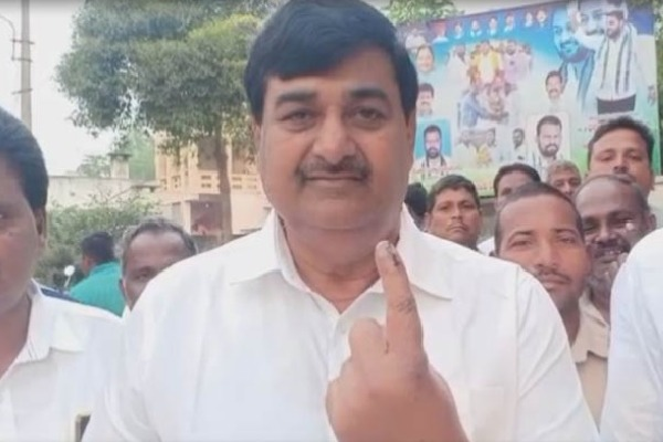 Final Fase of Panchayat Poll Started in AP