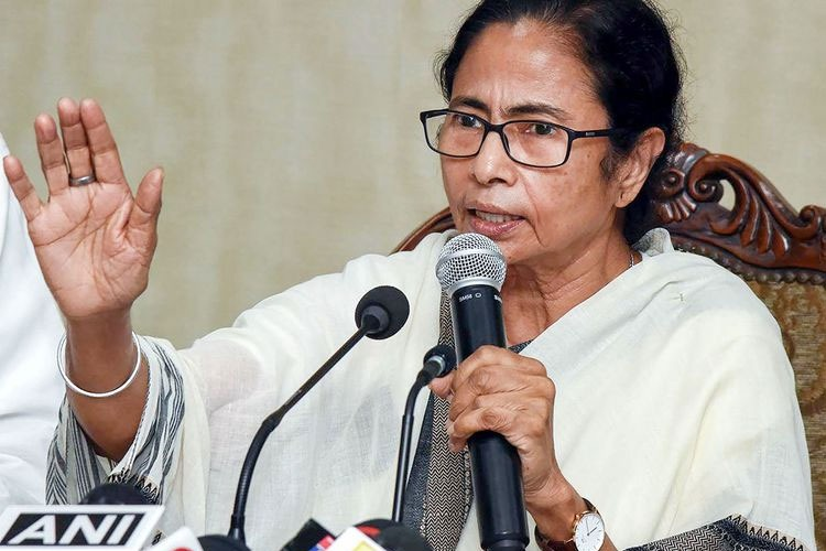 Mamata Banerjee urges people to say jai Bangla on phone