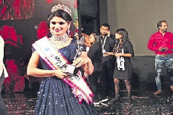 Khammam Lady Wins Misses India Runnerup