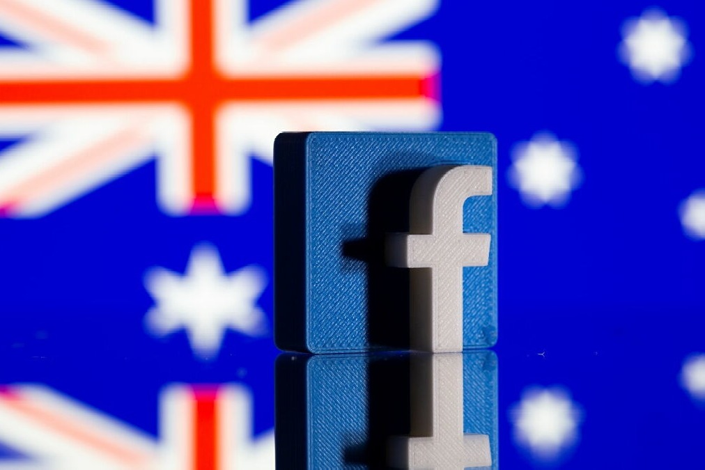 Facebook agrees to pay some publishers