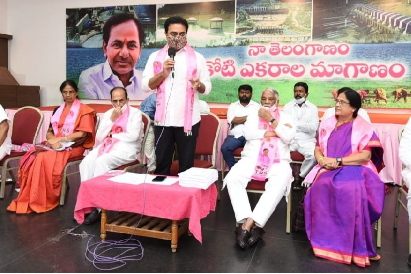PVs daughter doesnt have proud says KTR