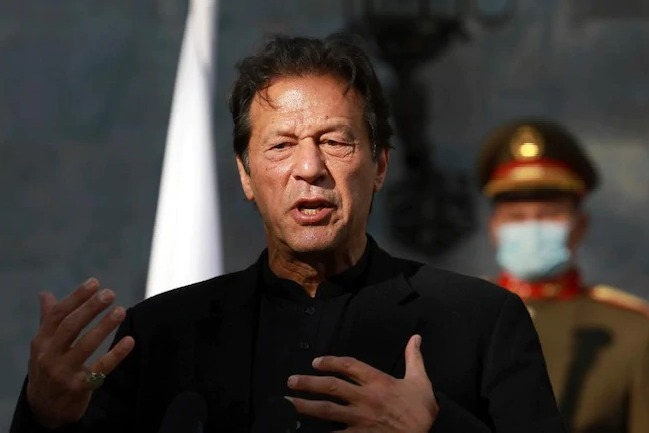 Kashmir only dispute with India can be resolved through dialogue Pakistan PM Imran Khan in Sri Lanka