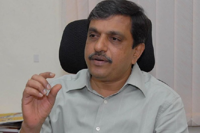 Sajjala comments on Chandrababu