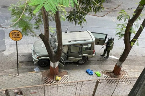 Vehicle identified with explosives near Mukesh Ambani residence Antilla