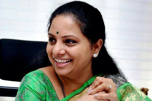 Kalvakuntla Kavitha escapes narrowly as her convoy vehicles collided each other