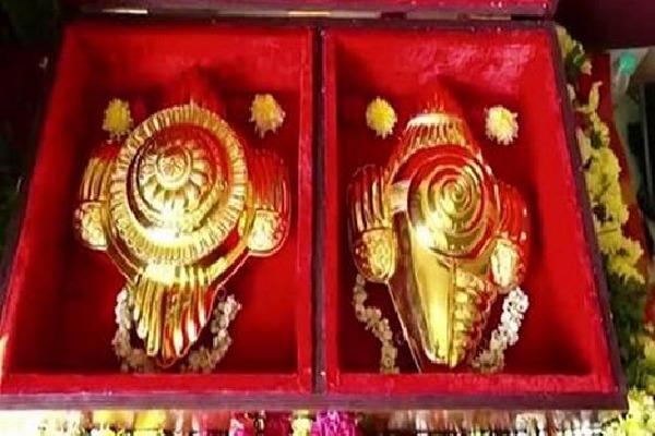 Gold Shanku and Chakram Doneted by Tamilian to Tirumala Lord