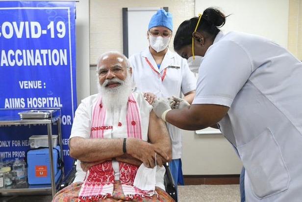 PM Modi took Corona Vaccine in AIIMS