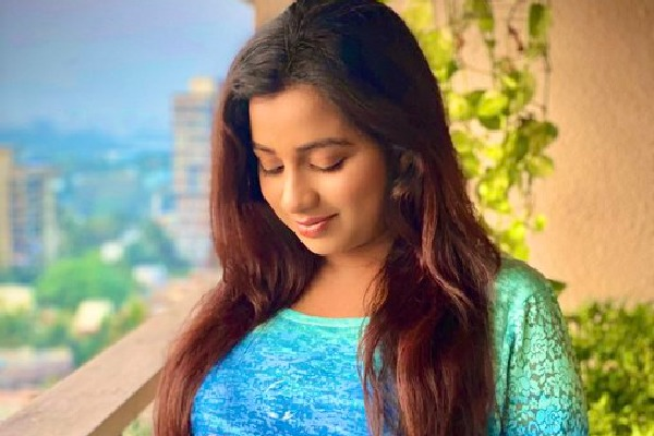 Shreya Ghoshal Announces Pregnancy