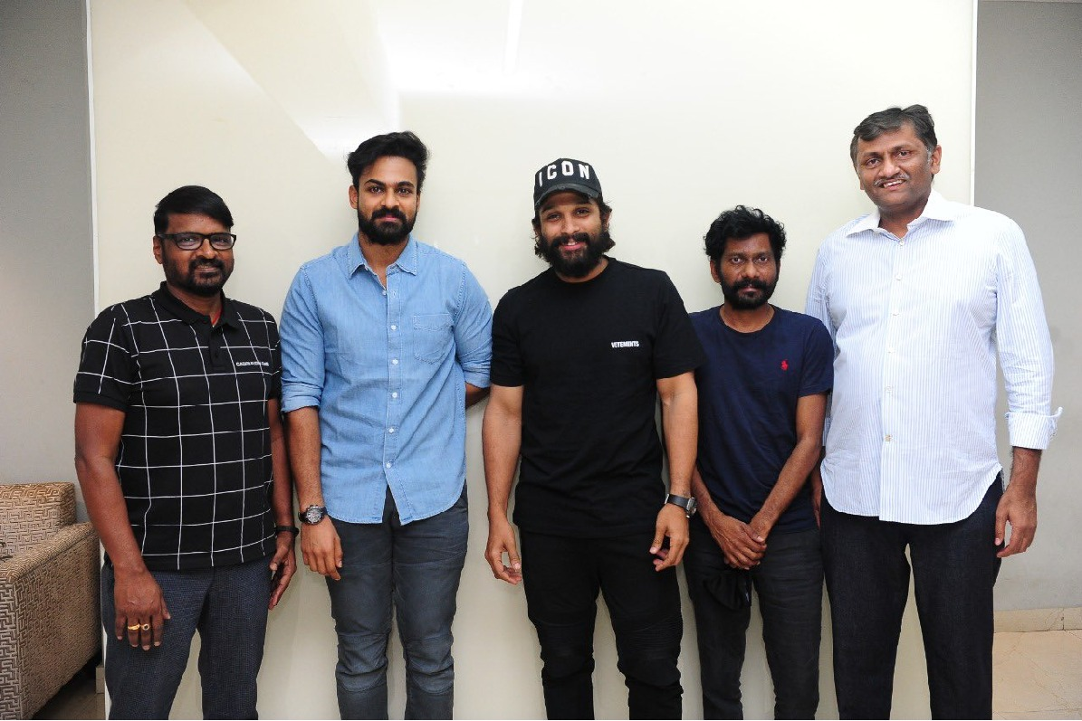 Uppena unit members met Allu Arjun