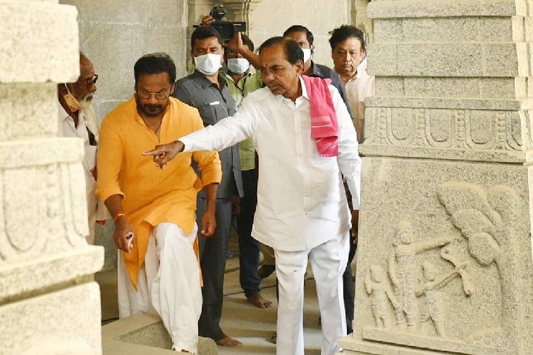 CM KCR visits Yadadri shrine