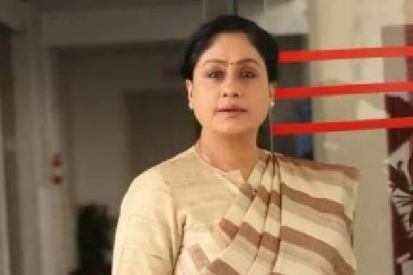 Vijayashanti dares cm kcr over MLA who facing allegations of Drugs
