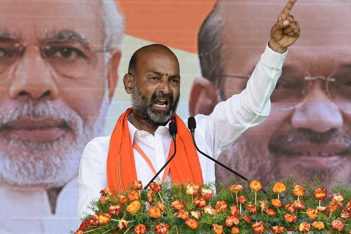 BJP has no friendship with Janasena in Telangana says Bandi Sanjay